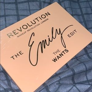 Makeup Revolution The Emily Edit Wants palette